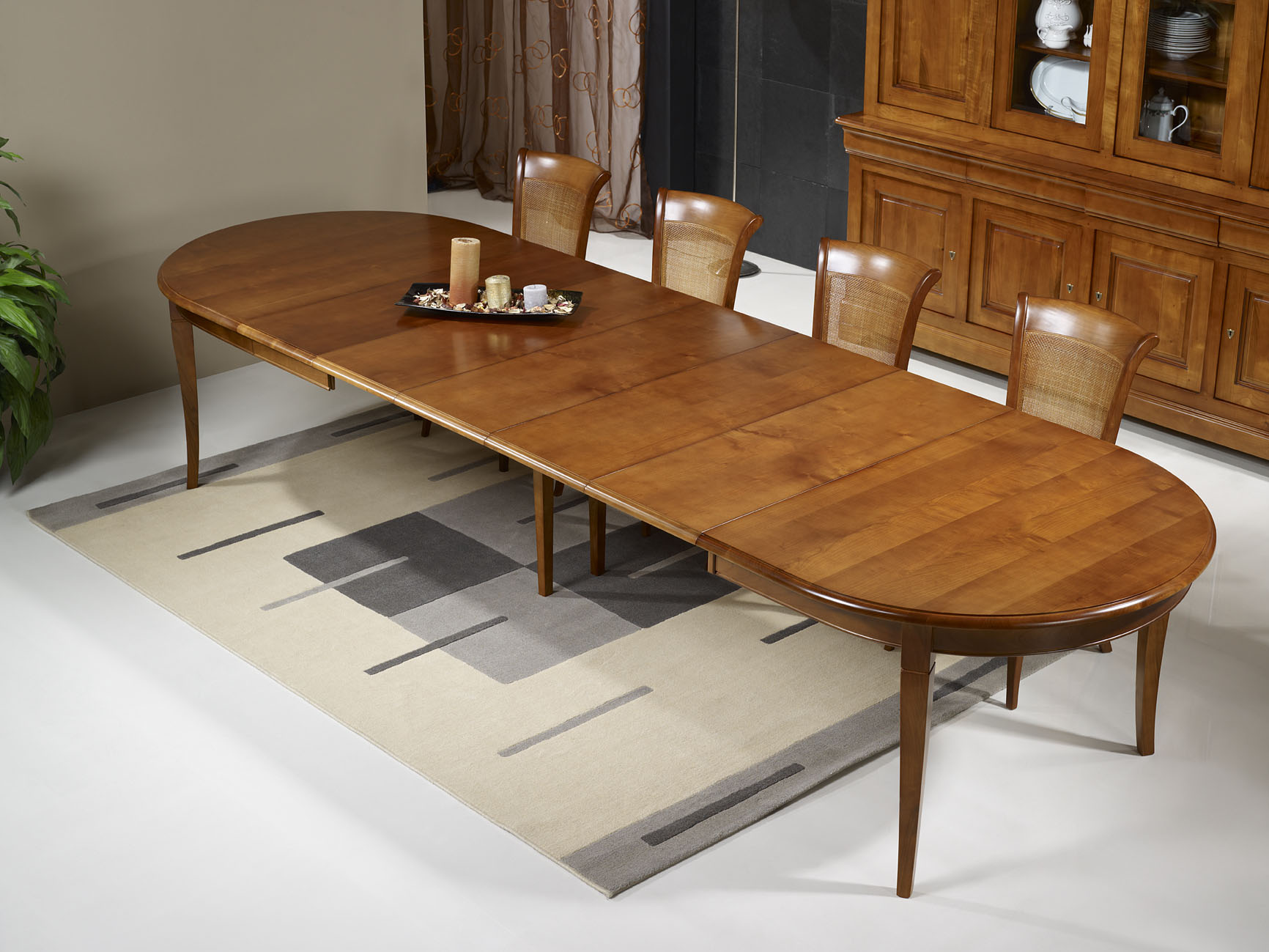 Table ovale 180x120 en merisier massif de style louis for Table rectangulaire bois avec allonges