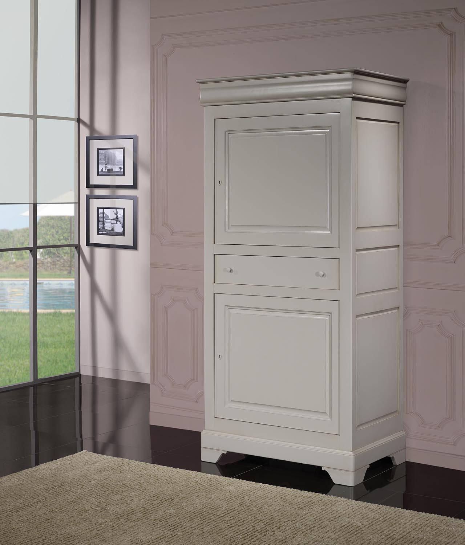 homme debout en merisier massif de style louis philippe finition gris perle meuble en merisier. Black Bedroom Furniture Sets. Home Design Ideas