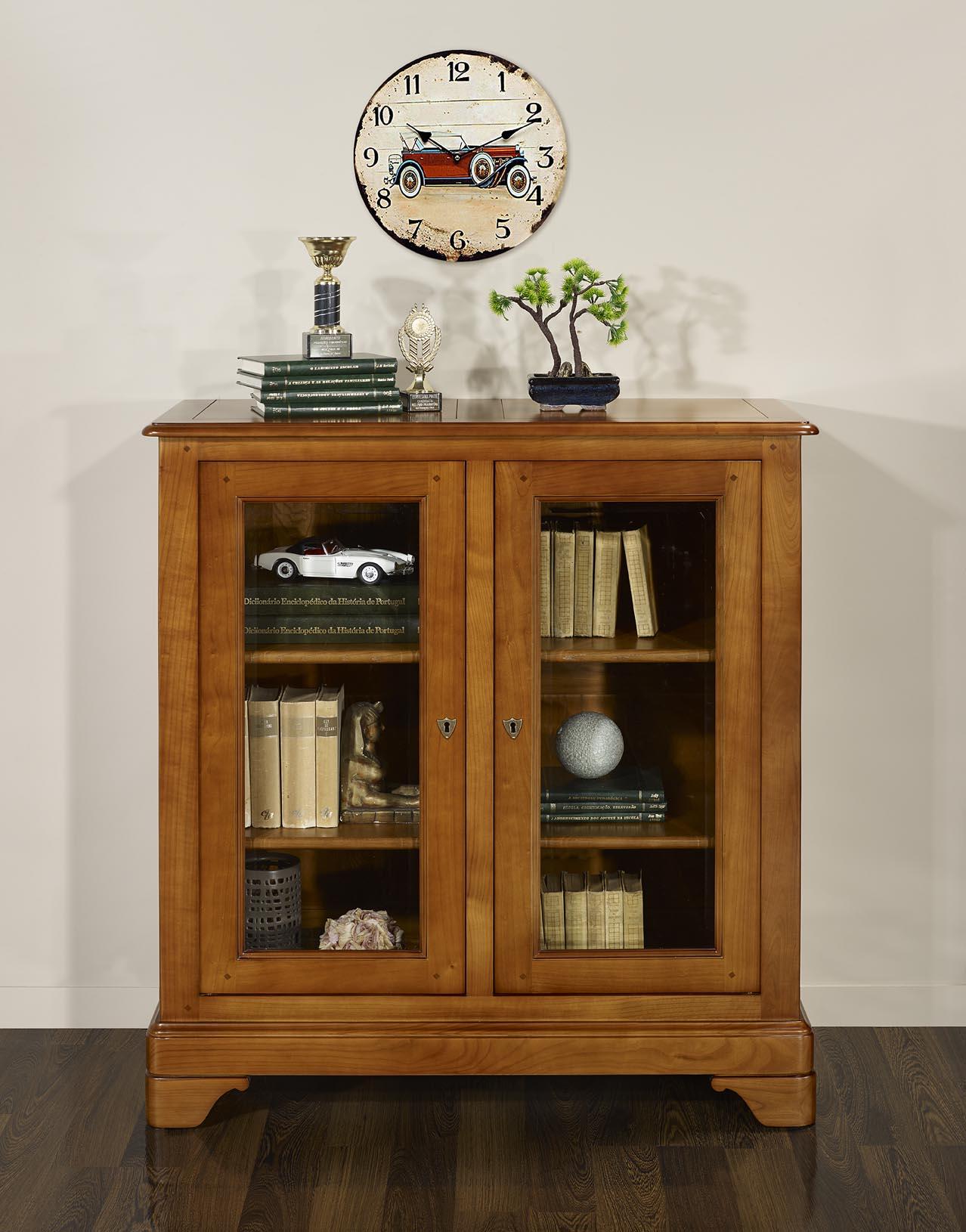 vitrine 2 portes morgane en merisier massif de style louis philippe meuble en merisier. Black Bedroom Furniture Sets. Home Design Ideas