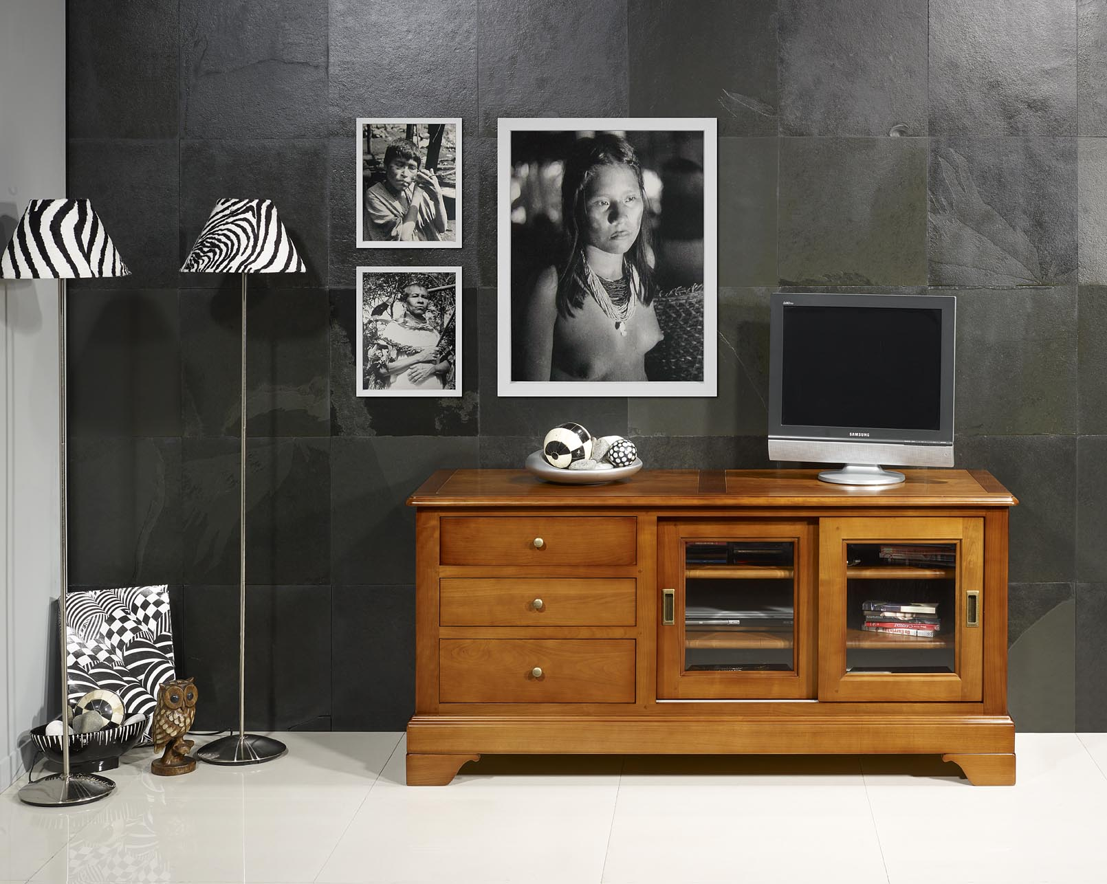 meuble tv 16 9eme e en merisier massif de style louis. Black Bedroom Furniture Sets. Home Design Ideas