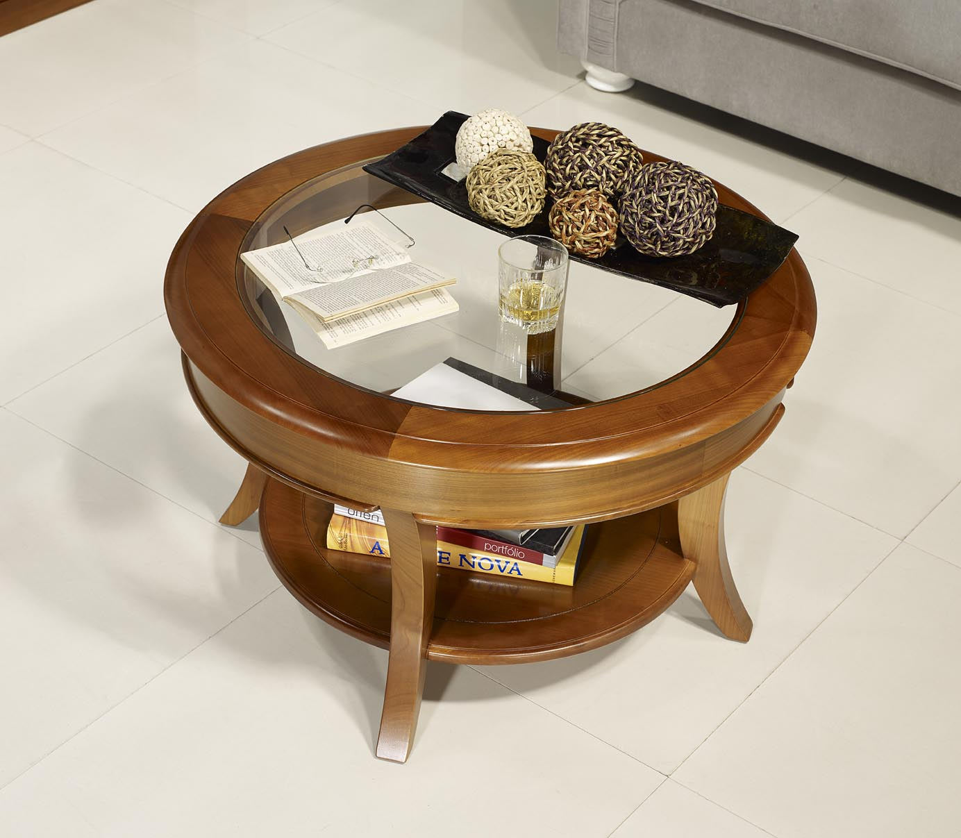 Table basse ronde melodie en merisier massif de style for Table basse en merisier