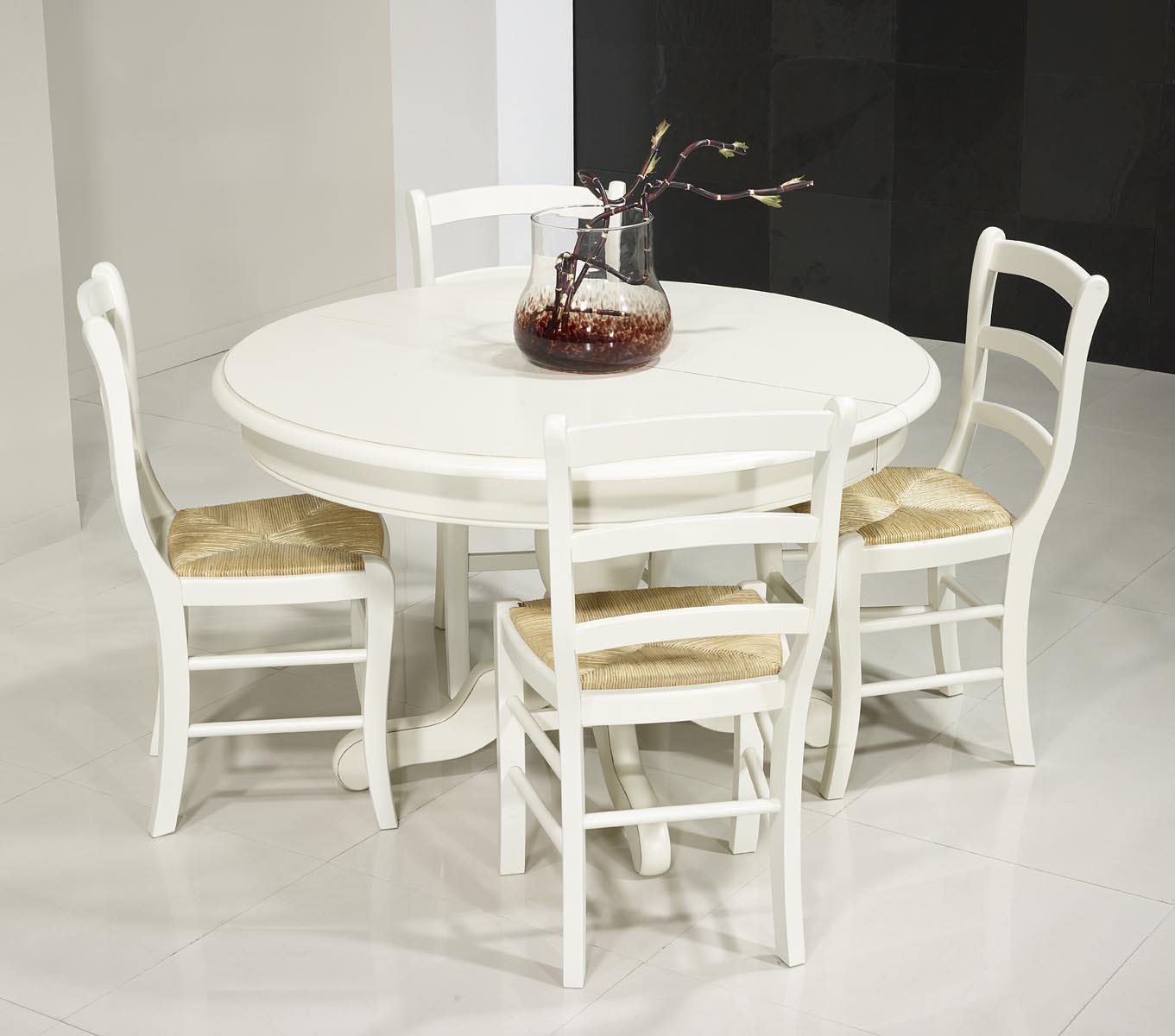 table ronde pied central en merisier massif de style louis