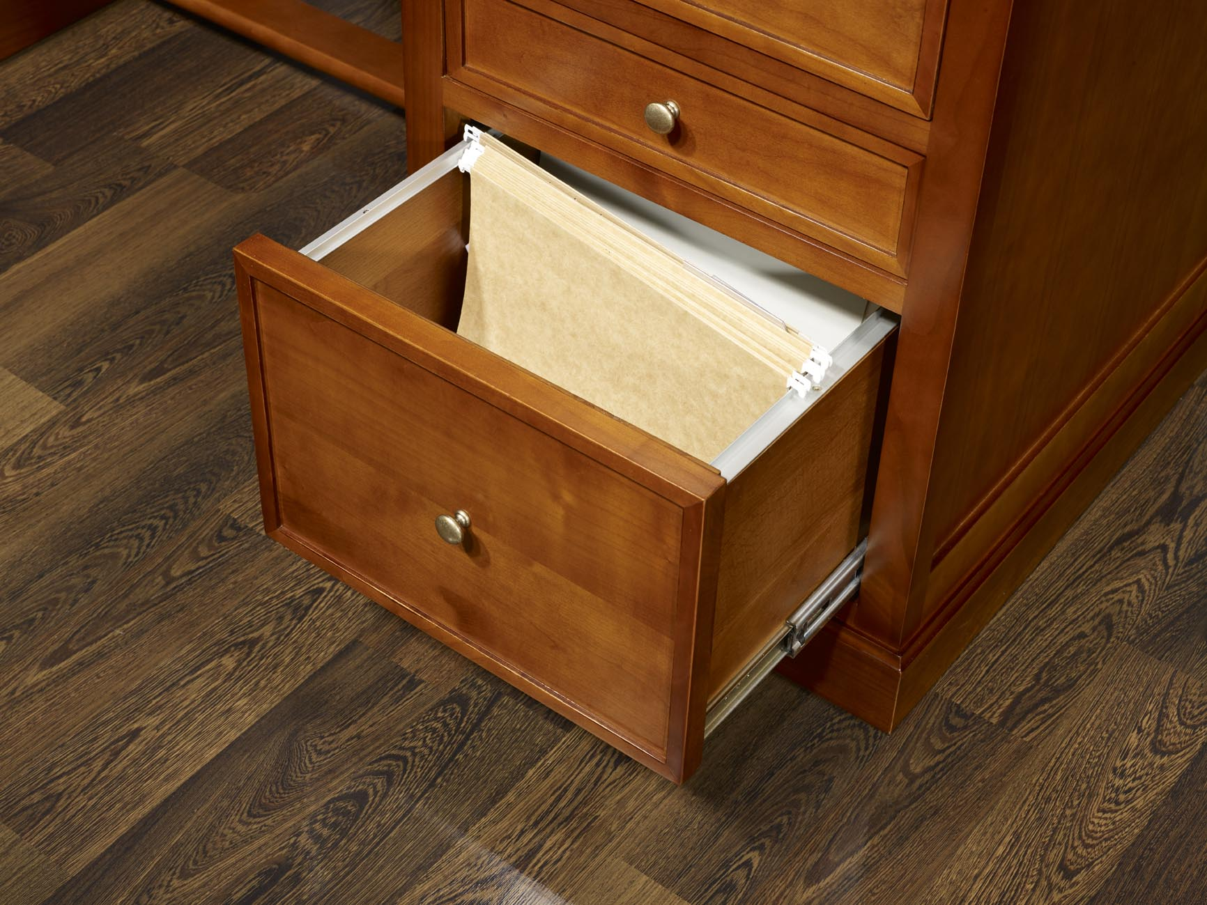bureau 5 tiroirs ne en merisier de style louis philippe meuble en merisier. Black Bedroom Furniture Sets. Home Design Ideas