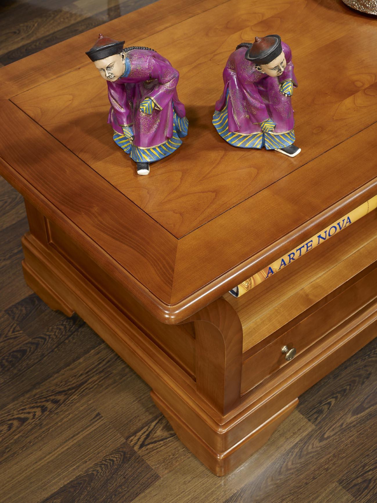 table basse constance en merisier massif de style louis philippe plateau bois meuble en merisier. Black Bedroom Furniture Sets. Home Design Ideas