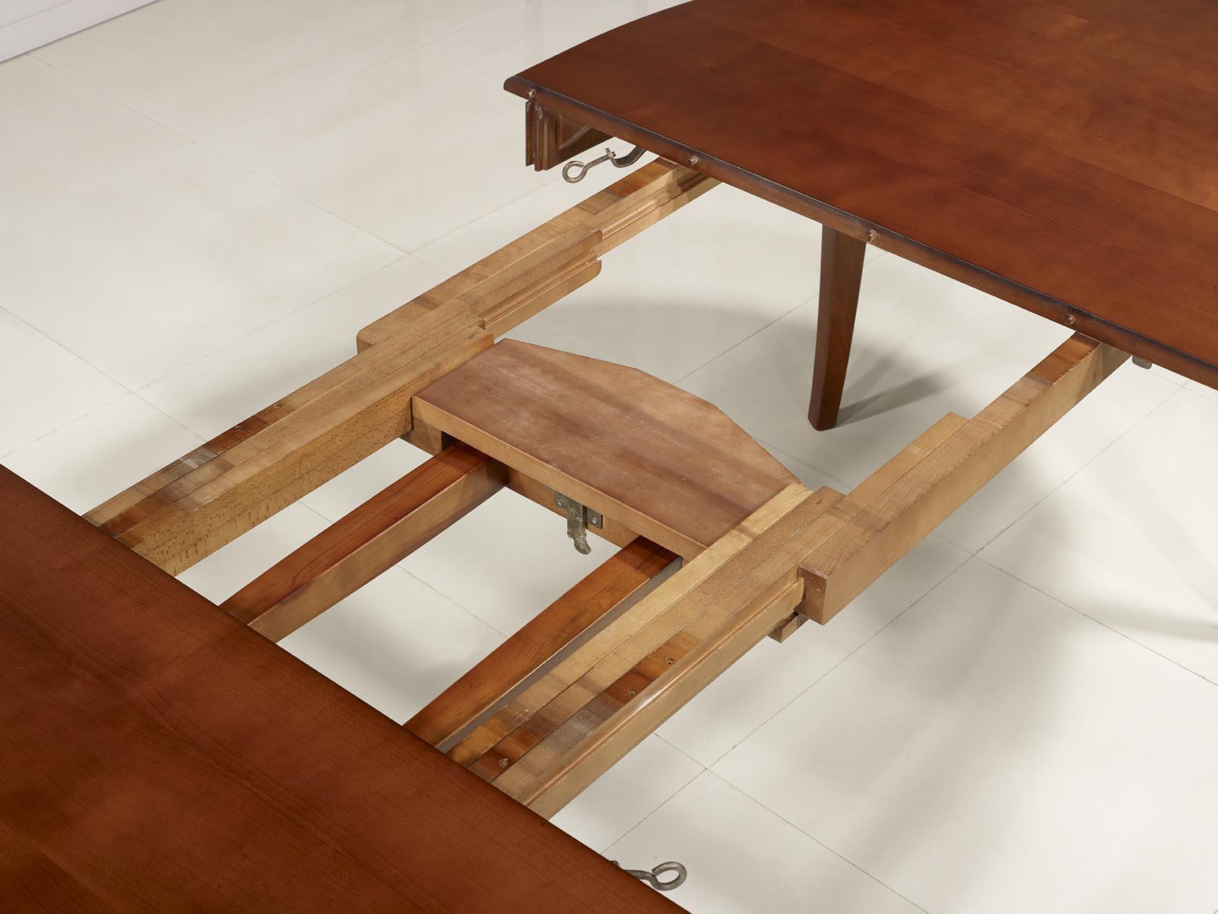 Table ovale de salle manger estelle en merisier massif for Table de salle a manger 4 metres