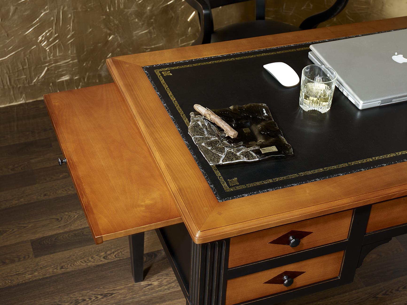 bureau ministre en merisier massif de style directoire patine noir meuble en merisier. Black Bedroom Furniture Sets. Home Design Ideas