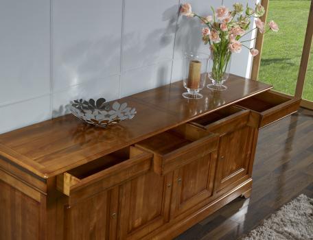 buffet 4 portes en merisier massif de style louis philippe meuble en merisier. Black Bedroom Furniture Sets. Home Design Ideas